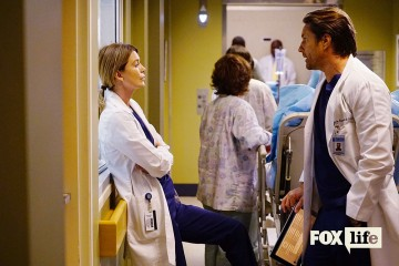 "GREY'S ANATOMY - ""I Ain't No Miracle Worker"" - A car crash at a funeral brings a bickering family into the hospital. Back from New York, Arizona ends up caught between Alex and Andrew. While Ben takes on a new parenting role, Amelia helps Meredith and Maggie through a problem, on ""Grey's Anatomy,"" THURSDAY, OCTOBER 6 (8:00-9:00 p.m. EDT), on the ABC Television Network. (ABC/Richard Cartwright) ELLEN POMPEO, MARTIN HENDERSON"