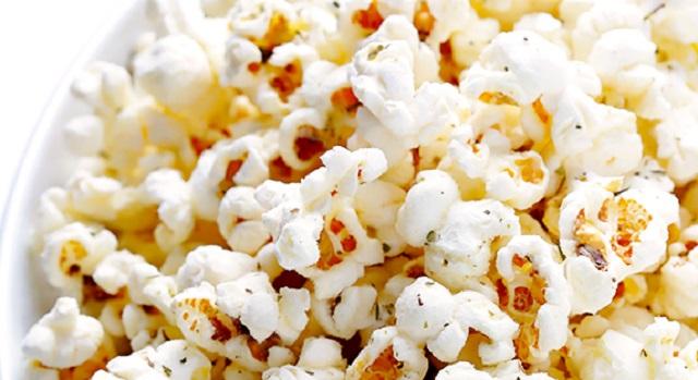 Pop Corn με γεύση παρμεζάνα