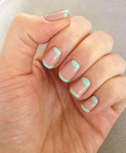 mint-nude-manicure