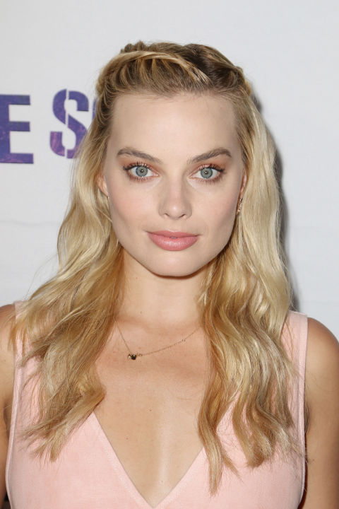 margot-robbie-bangs