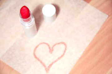 love-heart-makeup-beauty
