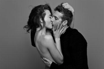 H9hJME9f89QSJy5ndgKS_kissing01