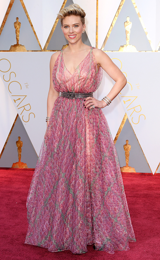 Mandatory Credit: Photo by David Fisher/REX/Shutterstock (8434880ej) Scarlett Johansson 89th Annual Academy Awards, Arrivals, Los Angeles, USA - 26 Feb 2017