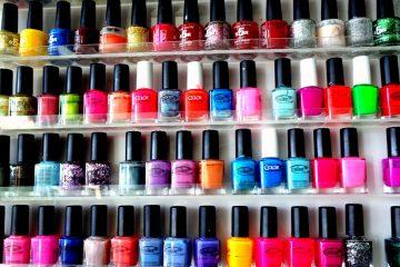 15425213914_6de81fe893_b_nail-polish