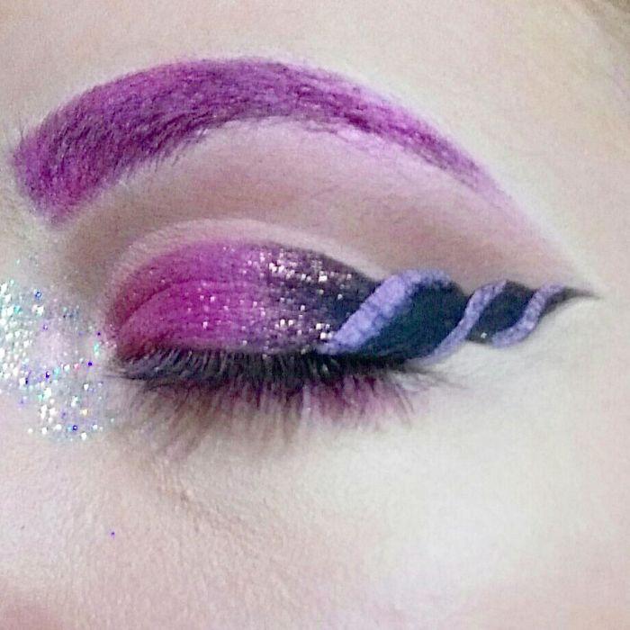 unicorn-eyeliner-makeup-2-59534218402f8__700