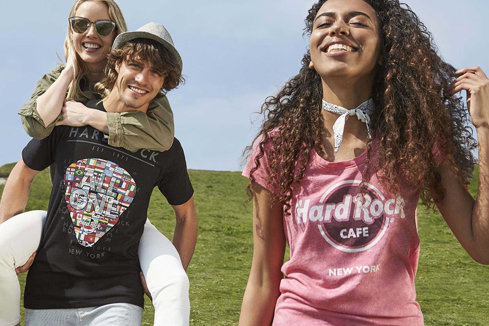 8682f39b936c Το Hard Rock Cafe Athens παρουσιάζει τη νέα συλλογή ρούχων