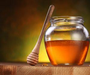honey-dipper-honey-jar-droplets-table