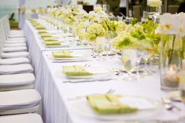 wedding-white-and-green-table-top
