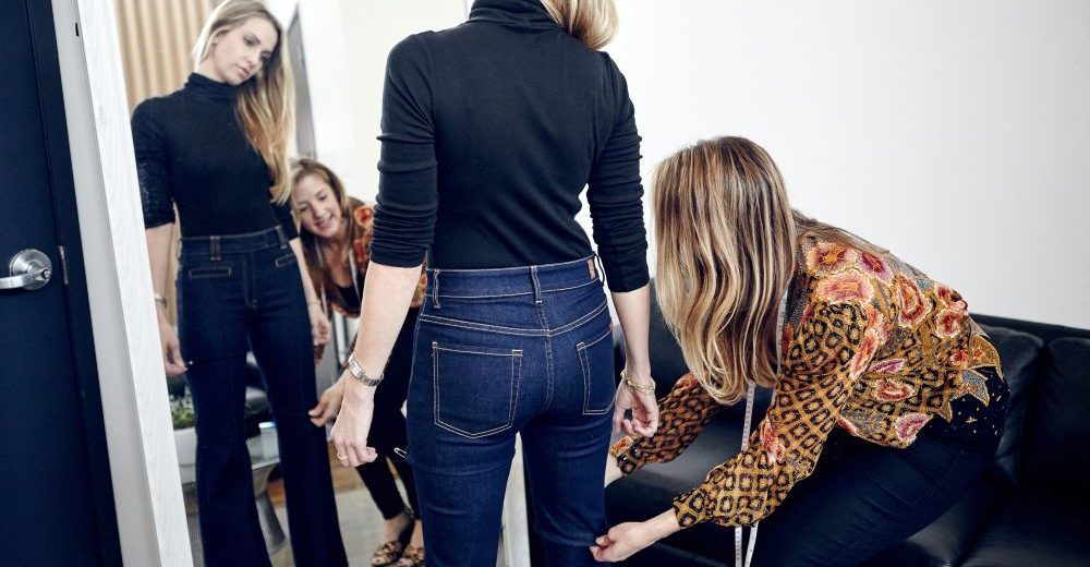 embed-woman-derriere