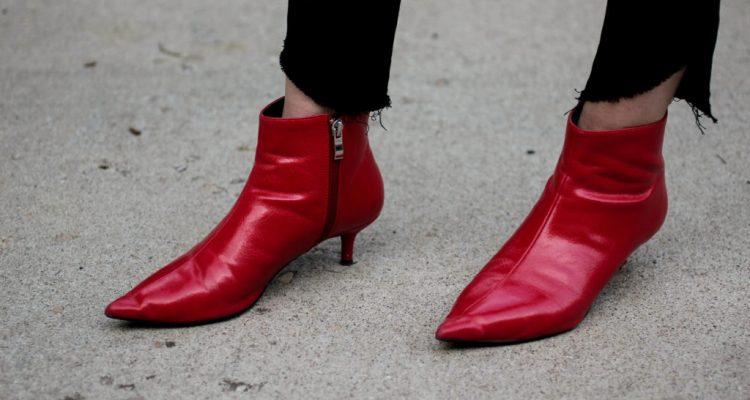 Παπούτσια 2018-2019  Αυτά θα φορεθούν φέτος (προετοιμάσου από τώρα ... 142413edbbe