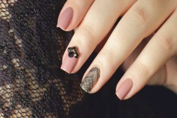 DIY-Very-Simple-Sheer-Black-Lace-Nail-Art-Youll-Love-To-Try