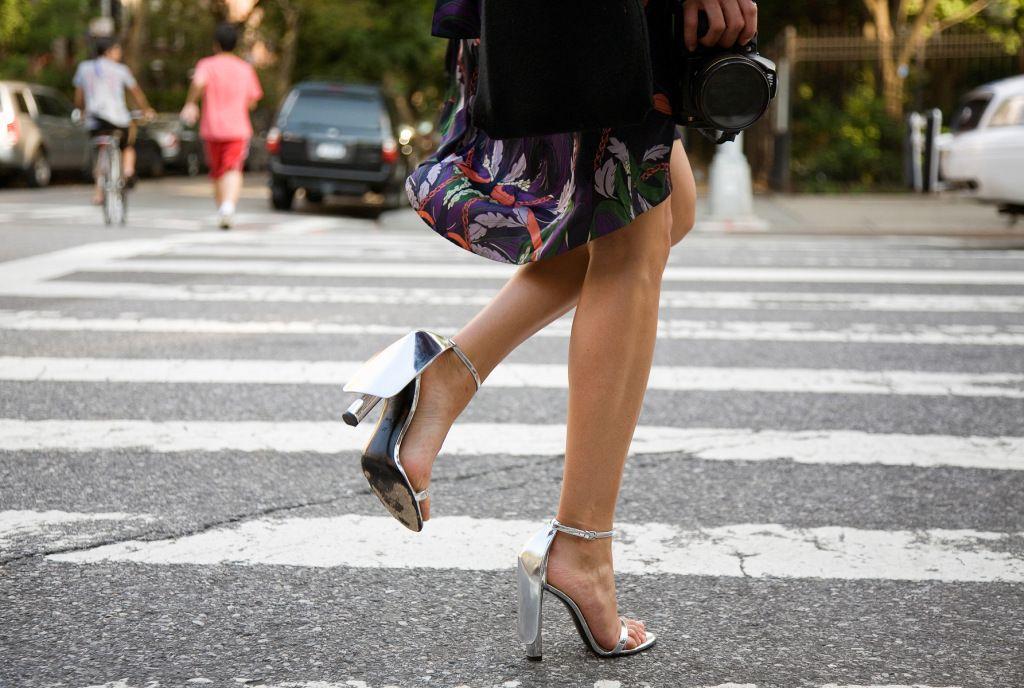Τα tricks ώστε να φαίνονται τα πόδια σου πιο μακριά