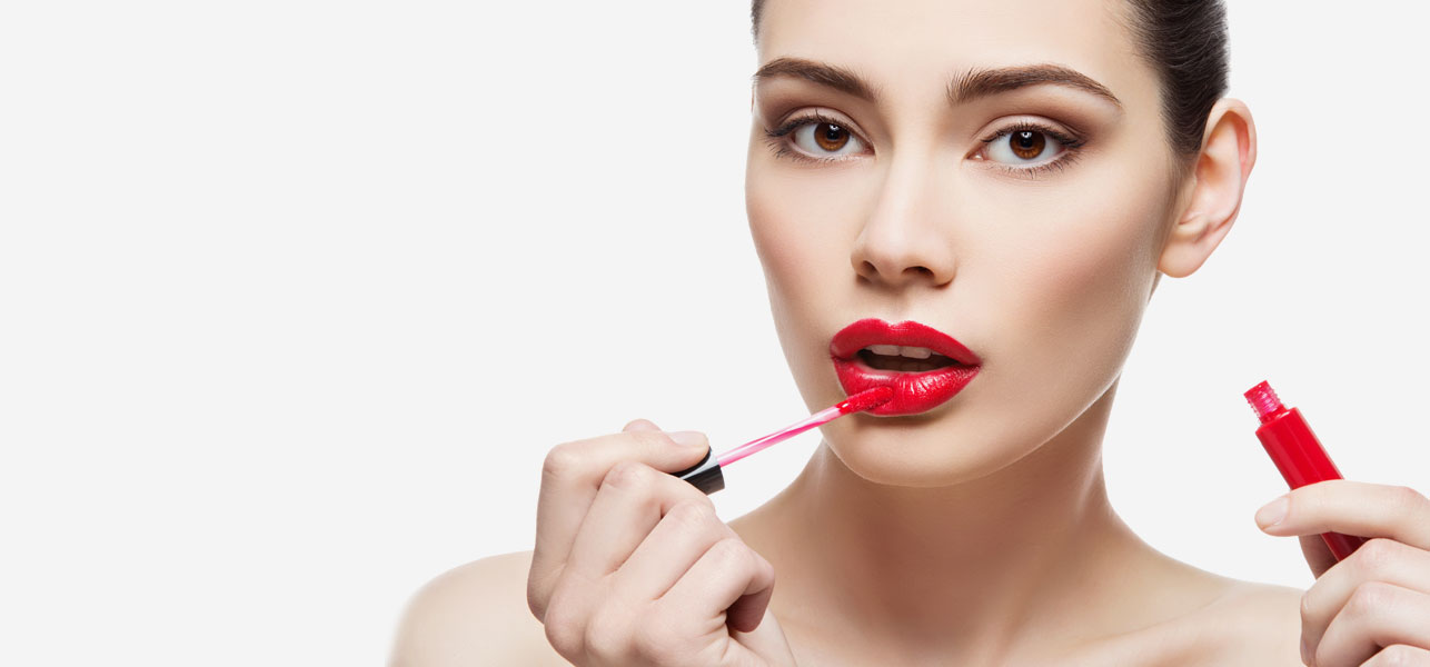 Wearing Lipstick Enhances Your Beauty- How?