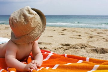 Cute-baby-at-beach-latest-wallpapers_copy_1200-628_1024x1024