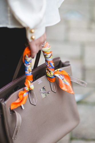 How-to-tie-silk-scarf-round-bag-fashion-blogger-london-street-style-sweatshirts-and-dresses-hermes-birkin-6-683x1024