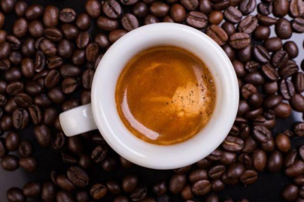Espresso-crema-kaffeebohnen-700x467