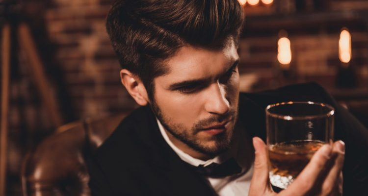 man-drinking-whiskey-1024x576