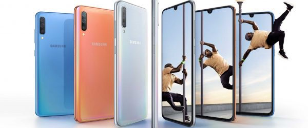 Samsung Galaxy A70 combo bluecoralwhite