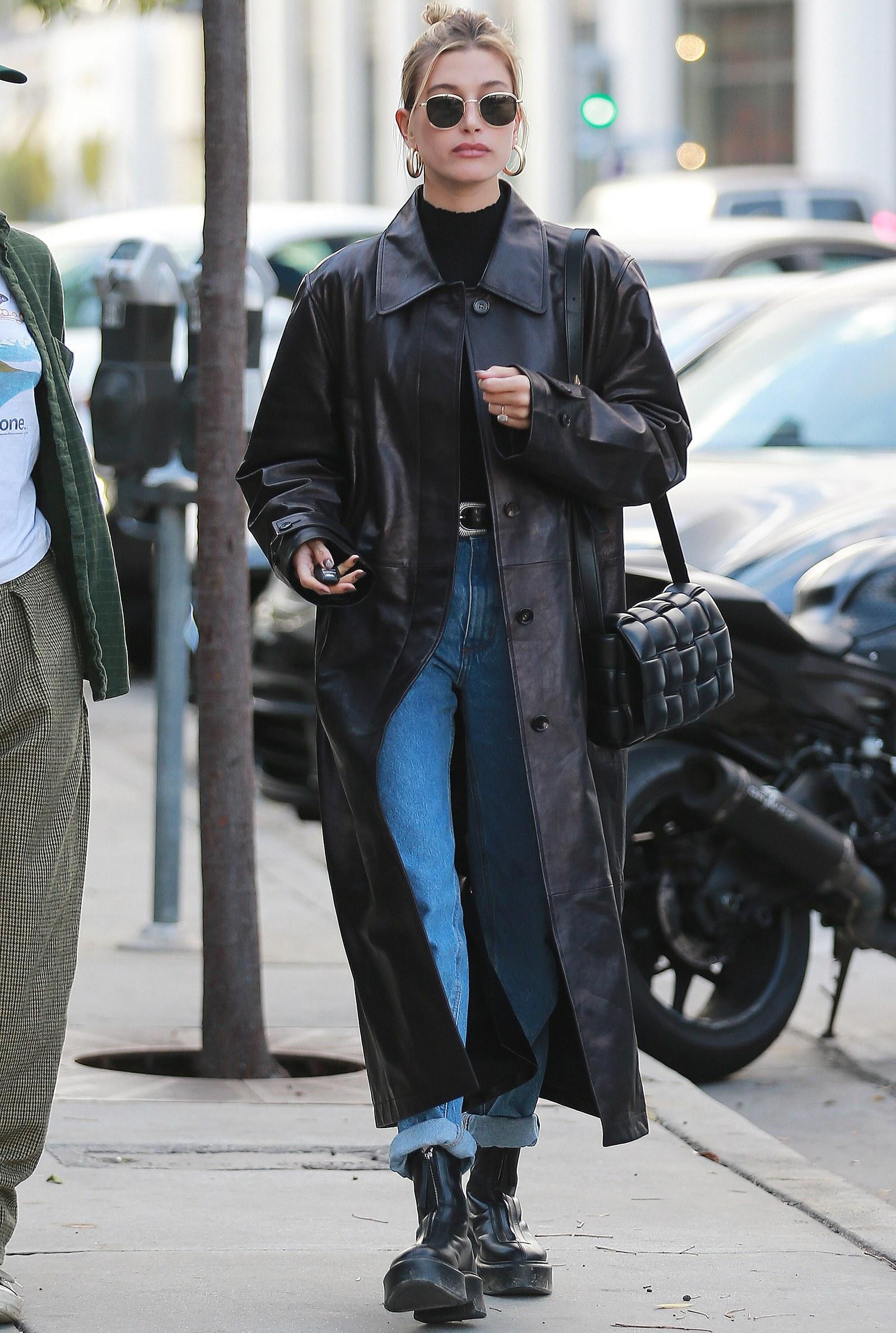 Δερμάτινο μαύρο μακρύ παλτό
