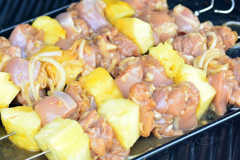 καλαμάκια κοτόπουλο με ανανά