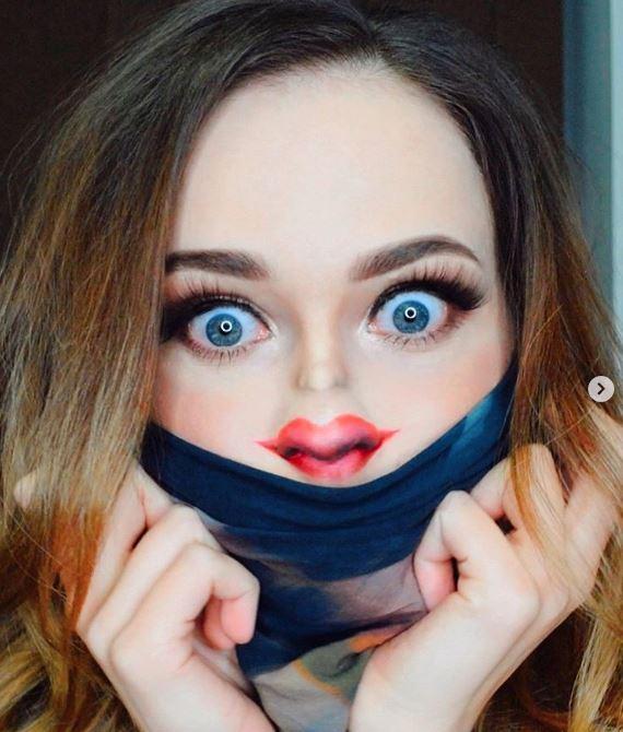 Tiny Face Make-up Challenge